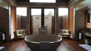 top 10 luxury hotels with ultimate bathrooms