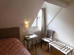 chambre mansardée photo de hotel de biencourt azay le