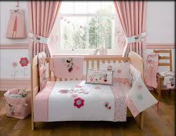 Minnie Mouse Bedroom Accessories by Minnie Mouse Bedroom Decor