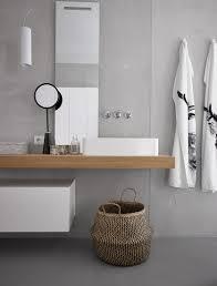 waschbecken auf dem holztisch mit bild kaufen 12486657