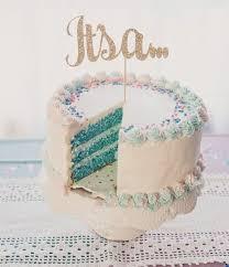 geschlecht enthüllen mit einer torte mit füllung baby