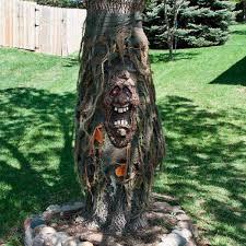 23 Seriously Creepy Halloween Yard Decorations The Family