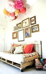 canapé chambre canape chambre enfant un canapac en palette dans une bacbac bebe