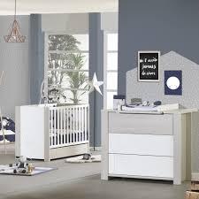 chambre bebe lit et commode chambre bébé duo opale frêne sablé avec motif lit commode de