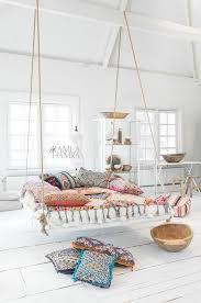 Gypsy Home Decor Pinterest by Best 25 Bohemian Living Ideas On Pinterest Bohemian Interior