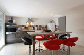 table de cuisine haute avec tabouret table haute de cuisine avec tabouret cuisine en image
