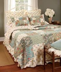 I LOVE QUILTS ESPECIALLY GREAT FOR THOSE DECORATING IN COUNTRY OR FRENCH COTTAGE LOOK