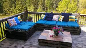 Architectook I 2017 08 Wooden Pallet Patio Fur