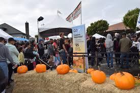 Pumpkin Fest Half Moon Bay by Half Moon Bay Y El Festival De La Calabaza California One Way