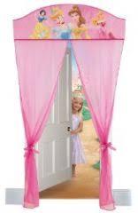 deco chambre princesse disney voilage princesses disney rideaux pour chambre de princesse