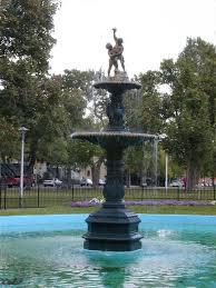 fontaine de bureau bureau d ville de montréal sculpture fontaine square