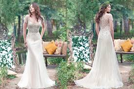 Its A Perfect Rustic Look These Photos Can Show You How This Wedding Dress Looks Amazing With Green And Background