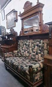 140 jahre altes gründerzeit sofa mit säulen verzierungen spiege