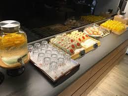 buffet cuisine 馥 50 米豆 來唷 巨星商場裡面新開一間咖啡館 幫忙宣傳一下好喝評價的