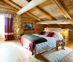 rustikales schlafzimmer unter dem dach bild kaufen