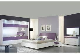 chambre violet et laque violet et blanc ensemble chambre a coucher
