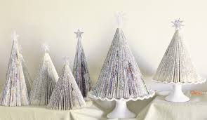 Christmas Tree Books Diy by Magazine Christmas Tree Zansucreations