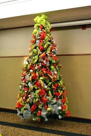 Decorating Christmas Tree With Ribbon Pictures Green Mesh Topper How To Decorate A