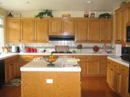 Kitchen Backsplash With Oak Cabinets by Pine Wood Unfinished Raised Door Oak Cabinets Kitchen Ideas