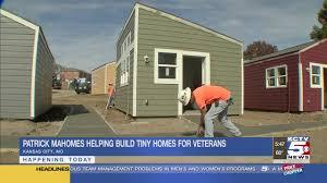 100 Homes In Kansas City Mahomes Chiefs Build Tiny Homes For Veterans
