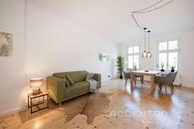 minimalistische wohnzimmer ideen in natürlichen tönen