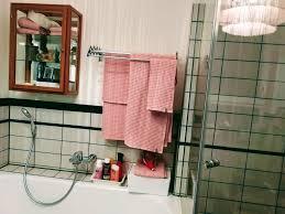 alter hängeschrank im badezimmer badezimmerdek