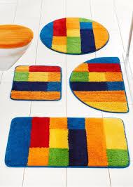badematte in farbenfrohem design