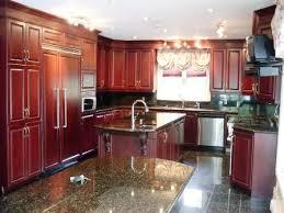 couleur armoire cuisine décapage d armoires de cuisine en bois refaire la couleur de ses