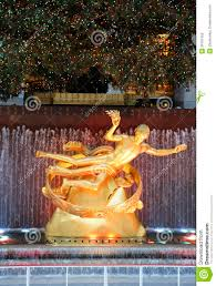 Christmas Tree Rockefeller Center Live Cam by Statue Of Prometheus Under Rockefeller Center Christmas Tree At