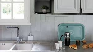 comment repeindre une cuisine relooking cuisine facile repeindre les meubles crédences sol