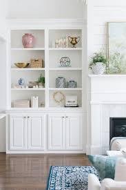 Decorating Bookshelves In Family Room by Best 20 Bookshelves Around Fireplace Ideas On Pinterest Shelves