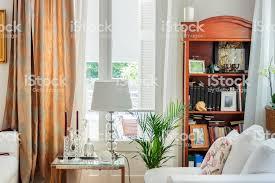 wohnzimmer innenraum englisch land syle stockfoto und mehr bilder bibliothek