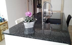 plaque de marbre pour cuisine plaque de marbre cuisine cuisine avec plaque de cuisson et vier en