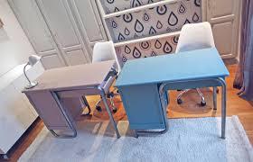 bureau enfant moderne deux bureaux d enfants vintages colorés la décorruptible