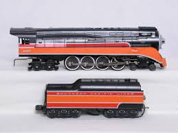 Lionel SP Daylight Engines parison