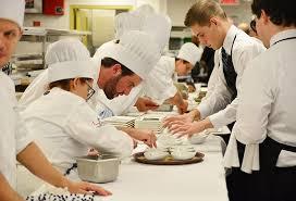salaire chef cuisine comment devenir cuisinier formation salaire et débouchés