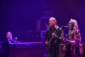 100 Tedeschi Trucks Band Setlist Closes Out 2018 In Boston Photos Review Audio