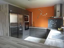 cuisine taupe et gris cuisine orange et bois pas cher sur cuisine lareduc com