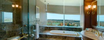 hotel avec bain a remous dans la chambre lac leamy hôtels à gatineau ottawa