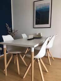 tisch mit 4 stühlen weiß holzbeine