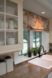 Kitchen Curtain Ideas Pinterest by Best 25 Kitchen Window Valances Ideas On Pinterest Valance