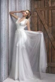 White Sleeveless V Neckline A Line Long Summer Rustic Wedding Dress