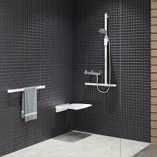 siege salle de bain sièges de delabie pour senior ou handicapé
