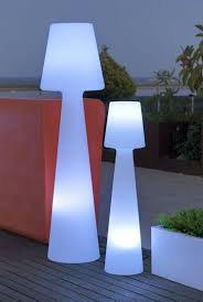 Outdoor Floor Lamps To Use In A Deck Patio