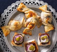 puff pastry canape ideas brie cranberry twists recipe food