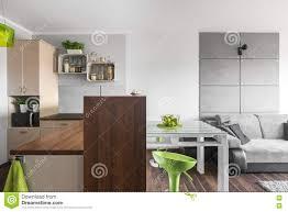 neue küche und wohnzimmer kombiniert stockfoto bild