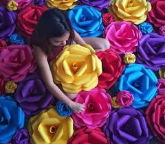 Using Colorful European Crepe Papers Colour Paper Students Will Learn How To Create Flower For Your Christmas Wreath This Season