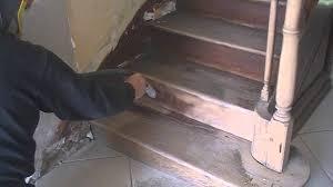 decapage d un escalier bois par aerogommage