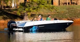 bayliner 190 deck boat 9 000 tweet deck