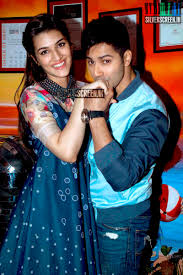 Varun Dhawan and Kriti Sanon at Dilwale Movie Promotions